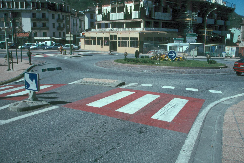 Aix-les-thermes France roundabout