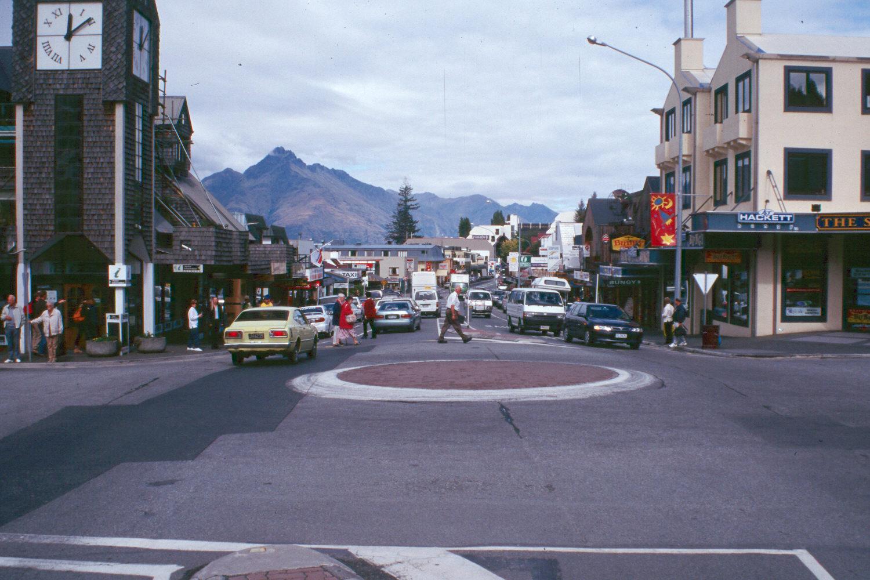 Queenstown New Zealand roundabout
