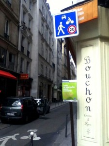 Simple signage marks one of the new shared areas along rue JeanJacques Rousseau / Photo: Stephane Kirkland