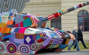 yarnbombed tank