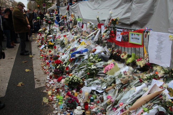 Memorial in front of the Bataclan Theatre in Paris - Photo by Takver