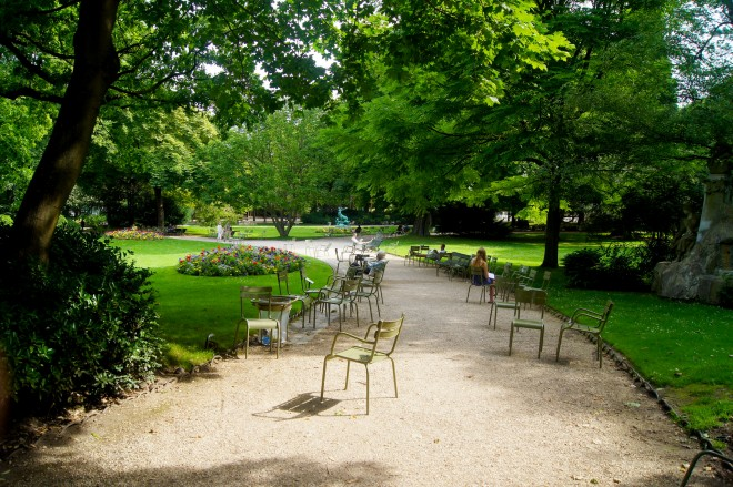 Moveable chairs can be found dotted on pathways around Luxembourg Gardens in Paris | Image by Byron T.