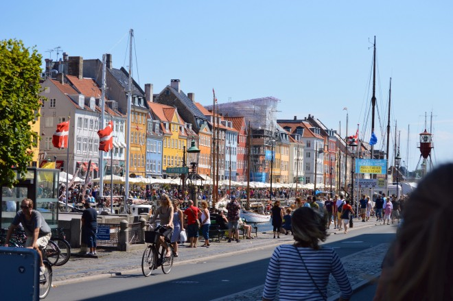 A mixture of activities, car-free spaces, and a strong cultural identity add to the success of Nyhavn in Copenhagen |Image by Bill Smith